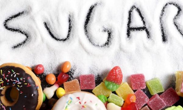 bị chàm kiêng ăn đường