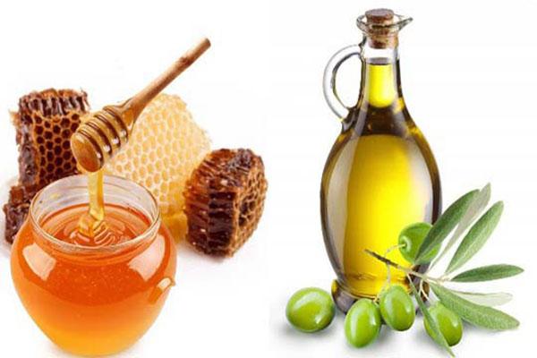 trị chàm môi bằng mật ong và dầu oliu